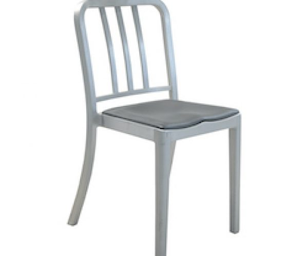 Emeco Navy Heritage Stacking Chair mit Seatpad